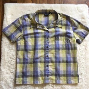 Patagonia women short sleeve textured button up L
